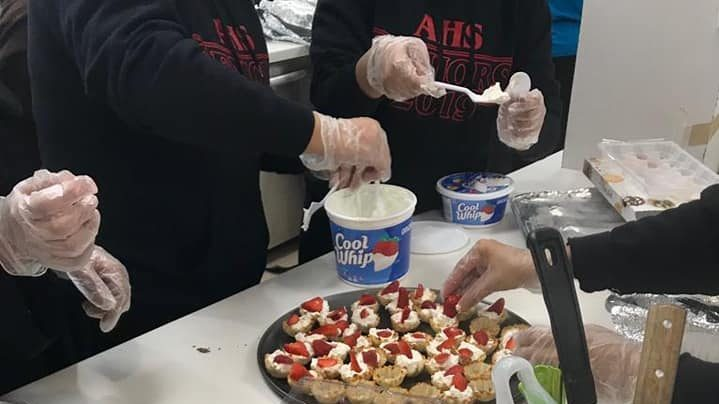 Al-Huda High School Girls Visit Rockville Women's Shelter